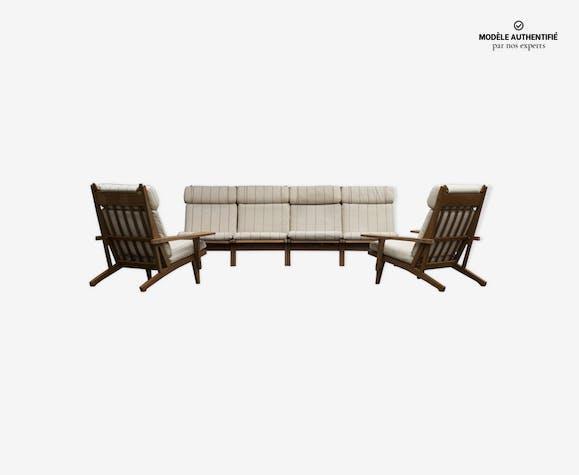 Ensemble canapé et fauteuils Hans Wegner édités par Getama