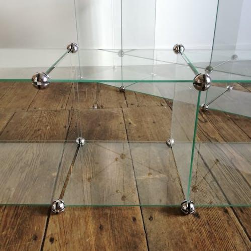 Vitrine modulable en verre