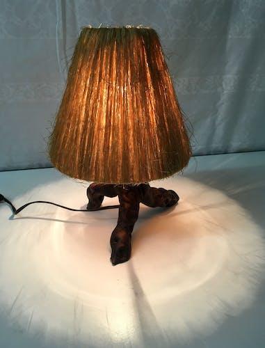 Lampe bois et sisal circa 60