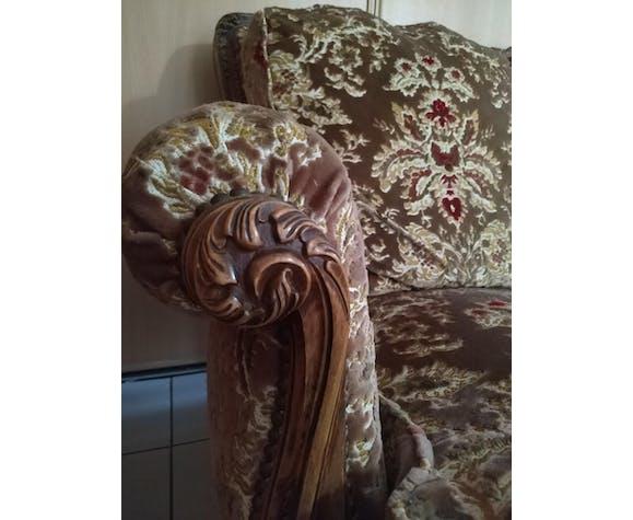 Classic-style velvet sofa