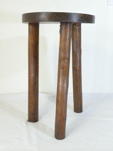 Tabouret rond tripode de traite en bois années 50