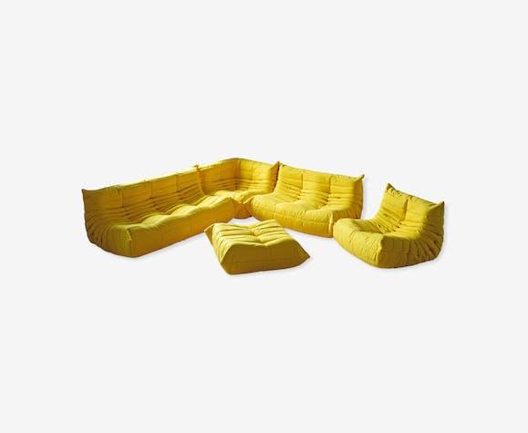 Set Togo en microfibre jaune par Michel Ducaroy pour Ligne Roset