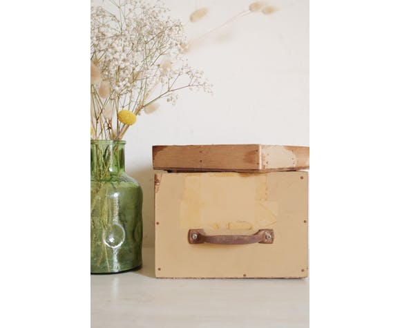 Boîte ancienne avec compartiments amovibles