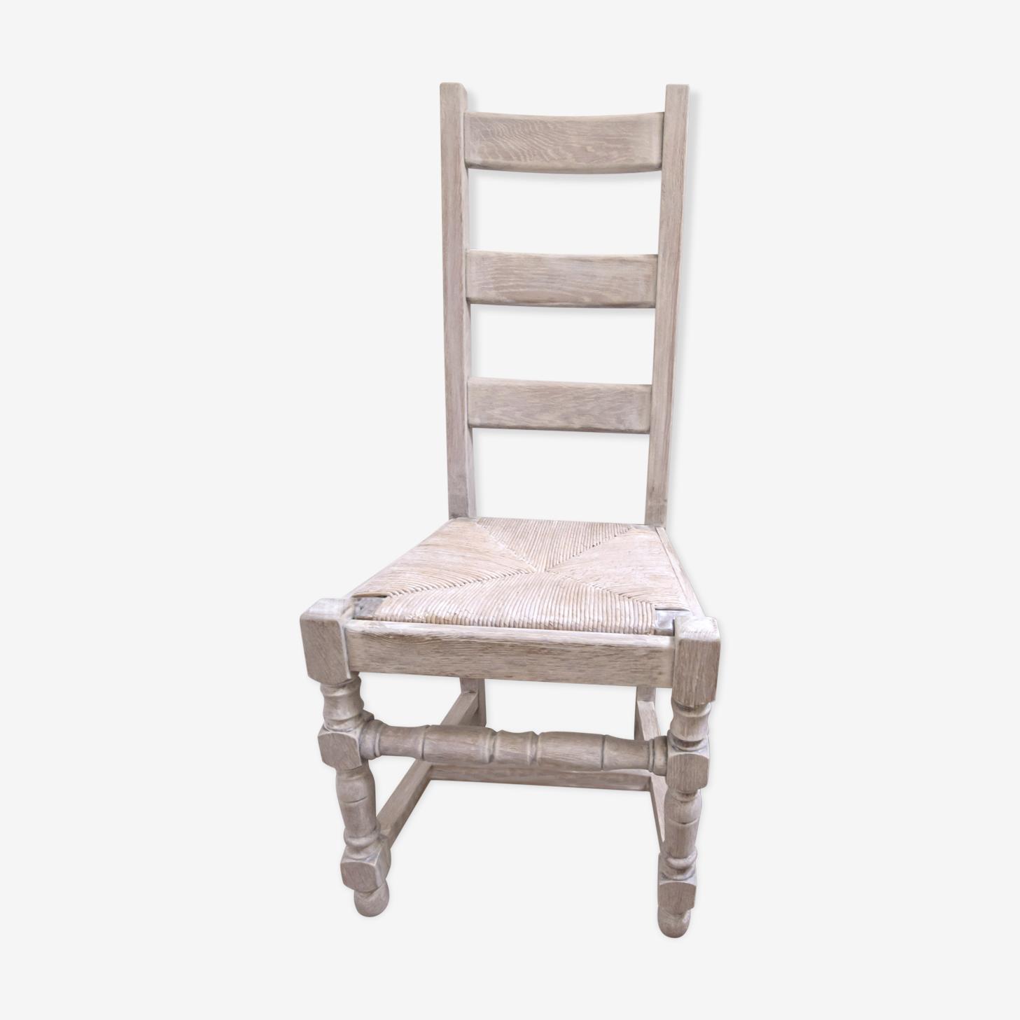 Chaise en chêne massif cerusé blanc