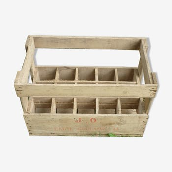 Old wooden crate 15 bottles