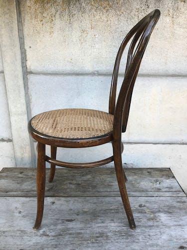 Ancienne chaise bistrot en bois courbé assise cannée années 50 vintage