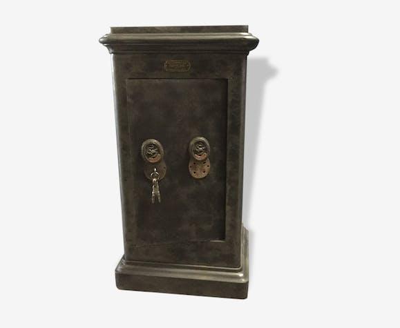 ancien coffre fort bauche mobilier industiel m tal noir industriel 161257. Black Bedroom Furniture Sets. Home Design Ideas