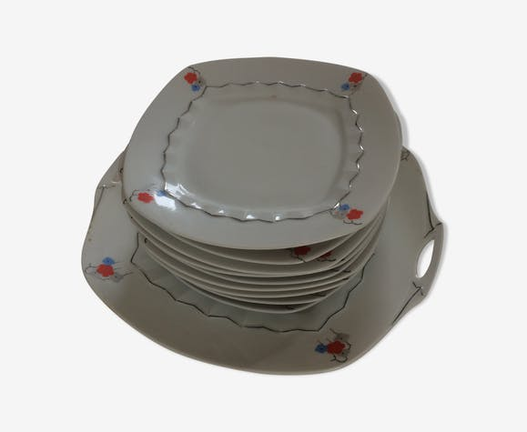 Cake service: 9 square plates and flat dish with ears