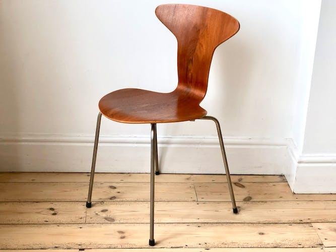 Danish mosquito chair by Arne Jacobsen for Fritz Hansen