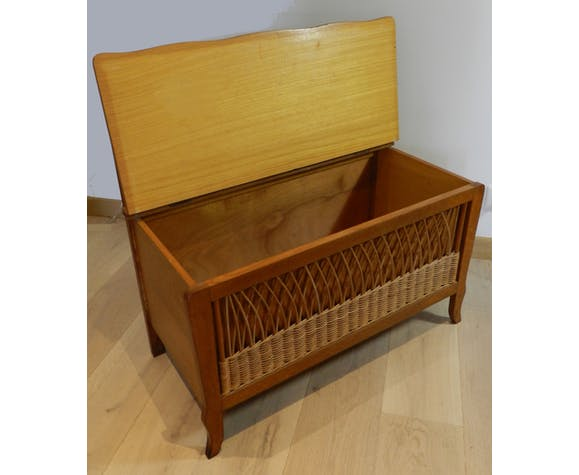 Bench wicker and oak toy chest