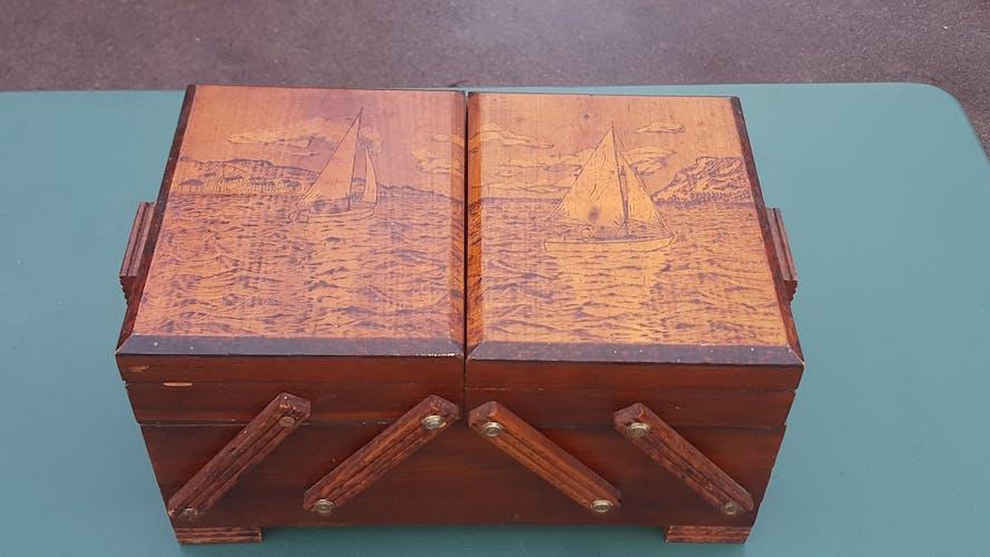 Sewing box 1950 sea boat decorations