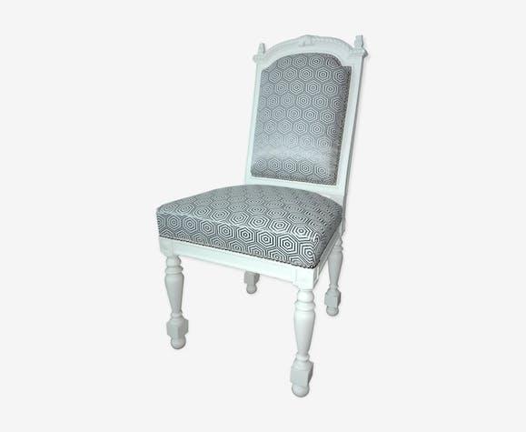 chaise ancienne de style louis xiii relook e bois. Black Bedroom Furniture Sets. Home Design Ideas
