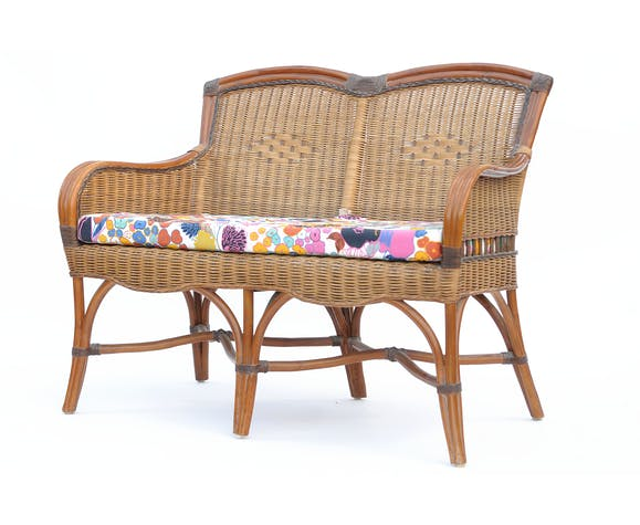 Salon en rotin et osier comprenant canapé, deux fauteuils et une table