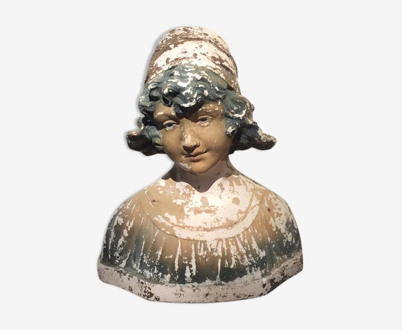 Bust young girl, old plaster