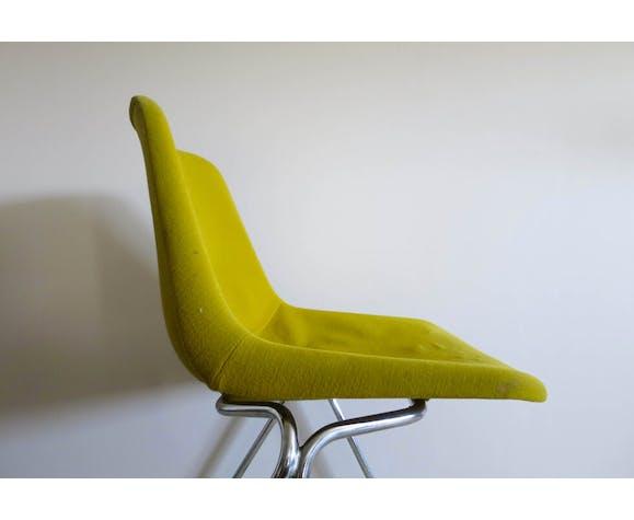 Chaise coque tissu