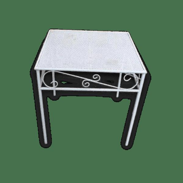 Table basse de jardin en métal perforé, laqué blanc, vintage 1970 - métal -  blanc - bon état - vintage - 63048