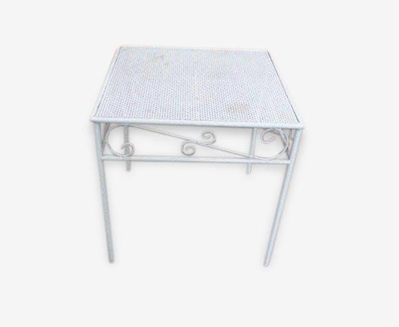 Table basse de jardin en métal perforé, laqué blanc, vintage 1970 ...