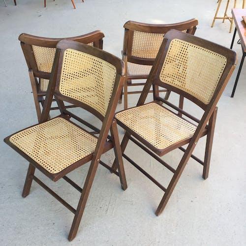 Lot de 4 chaises pliantes cannées années 80