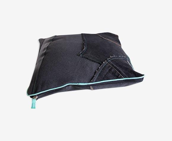Coussin patchwork chambre à air et tissu