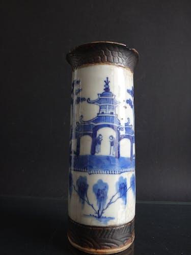 Ancien vase rouleau chinois nankin chine blanc bleue porcelaine Qing XIX marque
