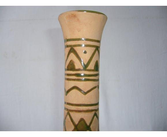 Vase en terre cuite  à décor émaillé