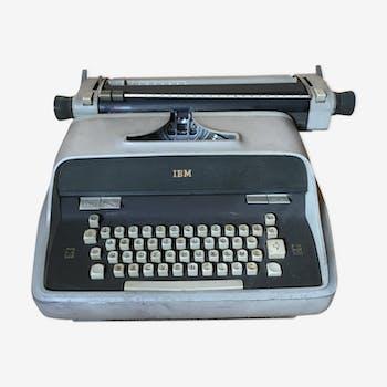 Machine à écrire électrique IBM 1963