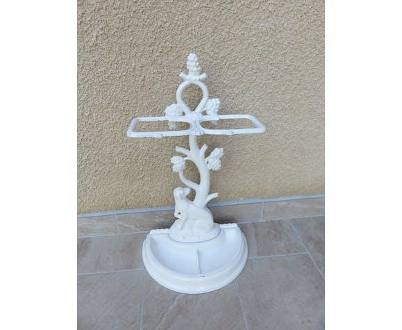 Cast iron umbrella holder