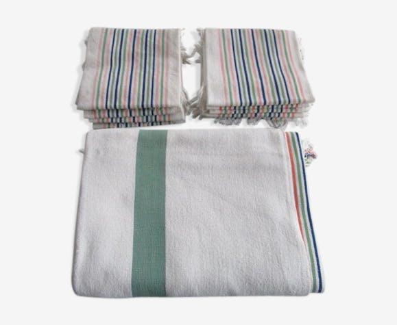 Nappe ancienne+ 12 serviettes assorties