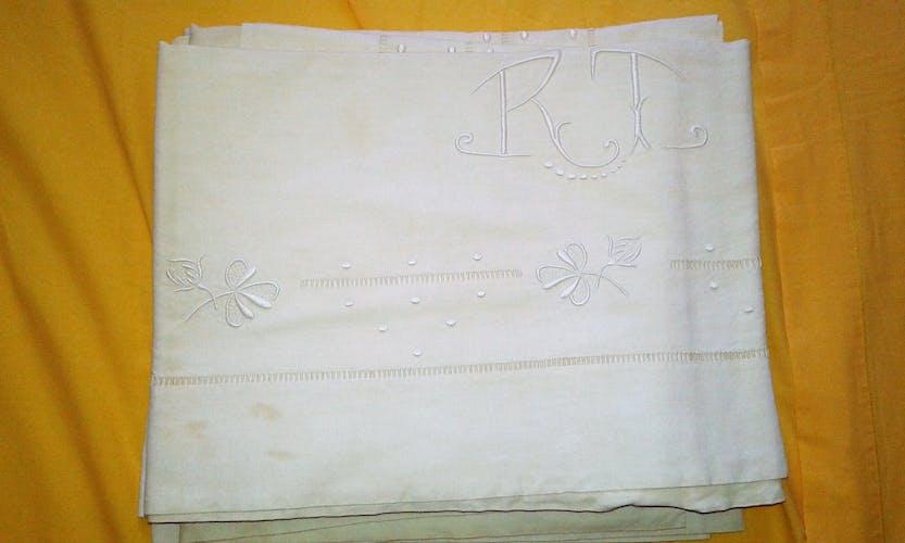4 old embroidered sheet set