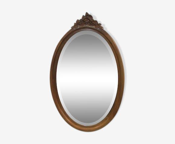 Miroir ovale en noyer blond ancien 58x92cm