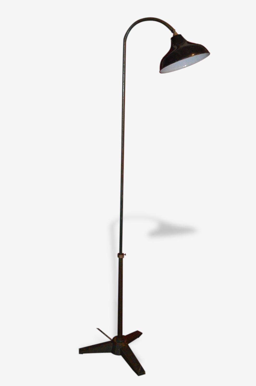 Lampe industrielle en fonte et abat jour émaillé