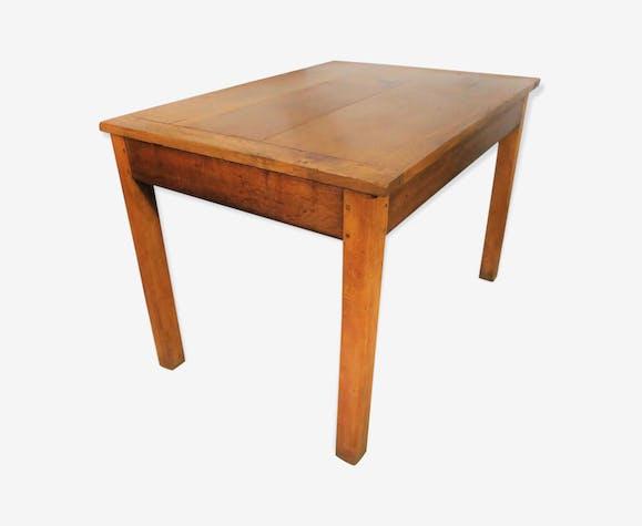 Table rustique en chêne massif