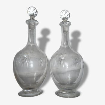 Set of two crystal decanters