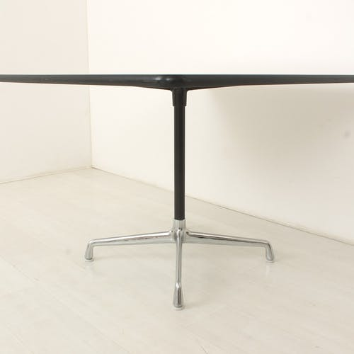 Table par Charles et Ray Eames pour Herman Miller, Vitra