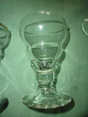 Set of 6 old blown bistro glass including 1 molded and golden fillet