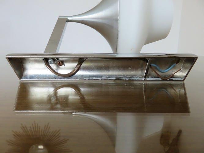 Applique Maison Sciolari métal chromé et opaline blanche années 70