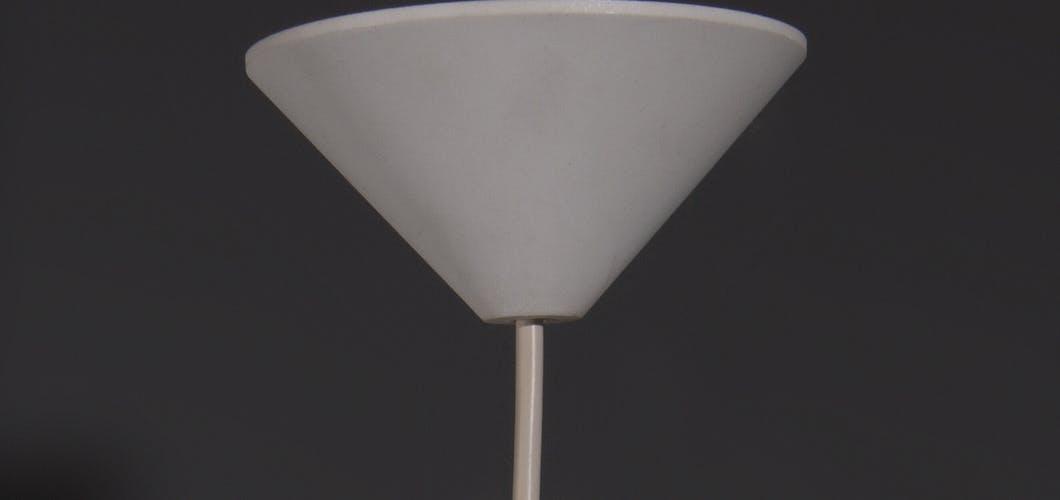 Suspension Sky Flyer en acrylique blanc, conçu en 1959