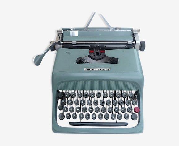Machine a ecrire Olivetti Studio 44