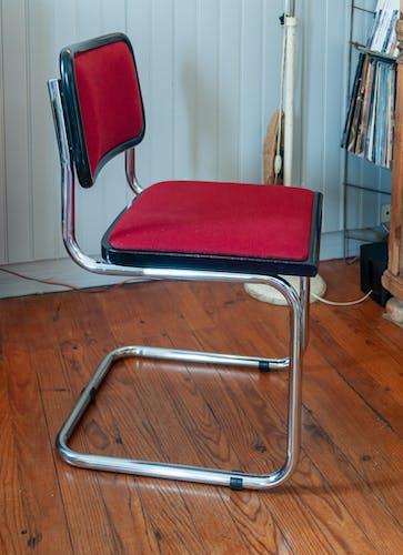 Chaise B32 Marcel Breuer tissus rouge Italie vintage 80