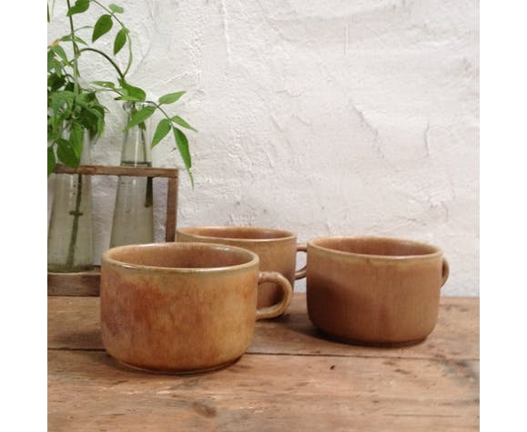 Trio of sandstone lunch cups