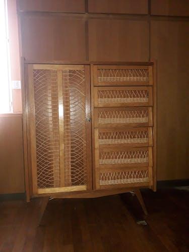 Meuble de rangement armoire commode penderie en rotin vintage années 60