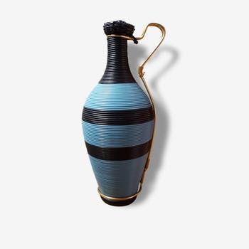 Elegant vase blue and black scoubidou