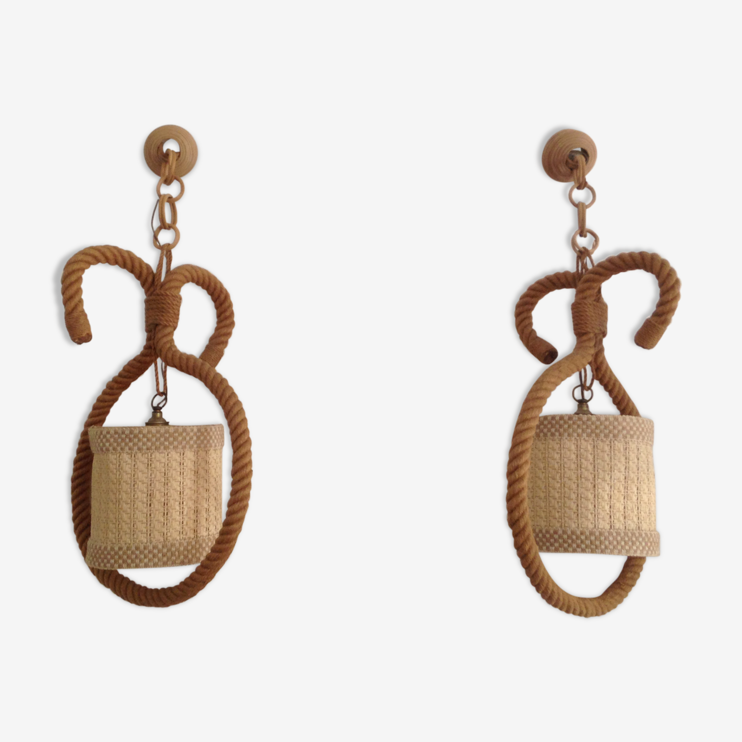 Pair of hanging lamp