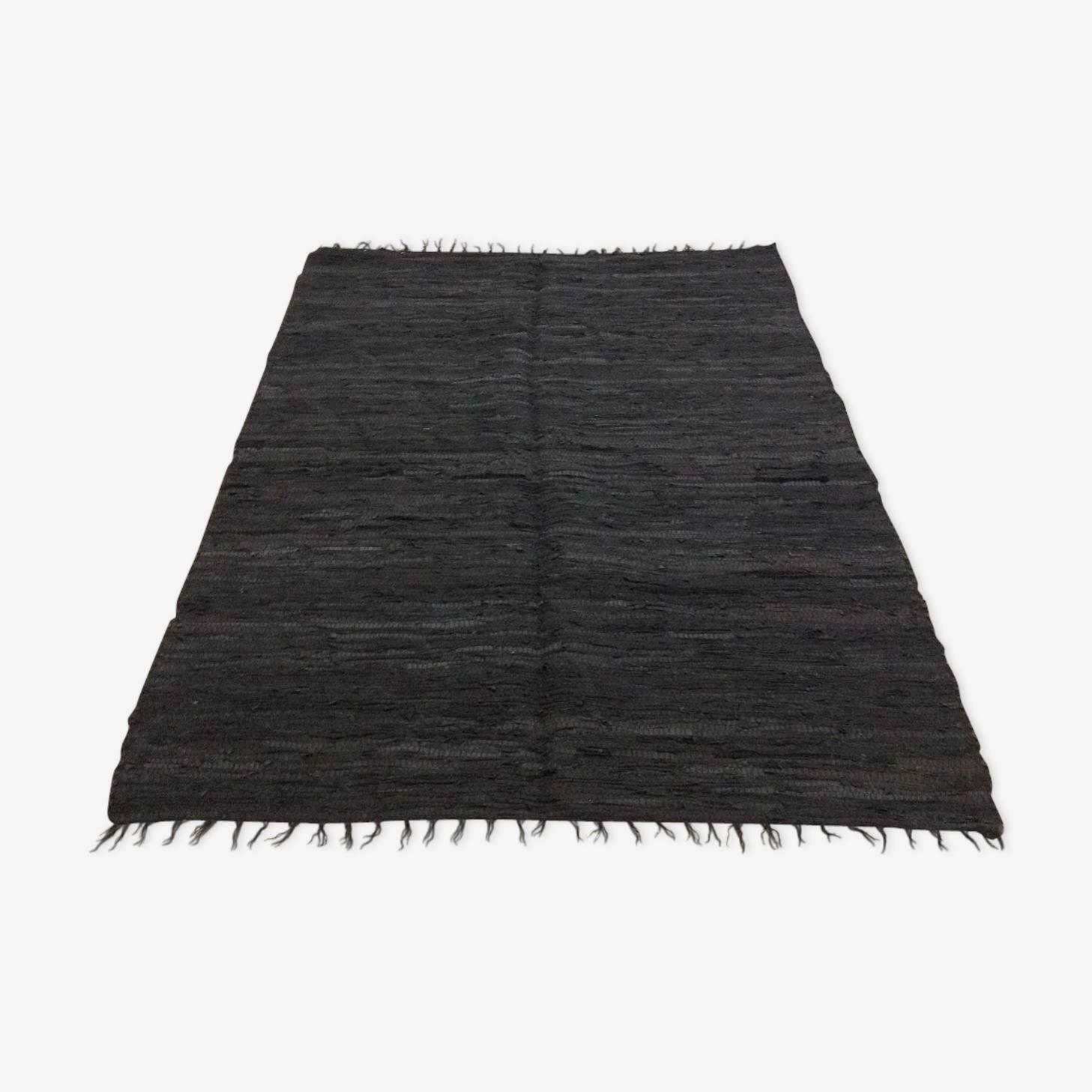 Indian leather carpet 122x184cm