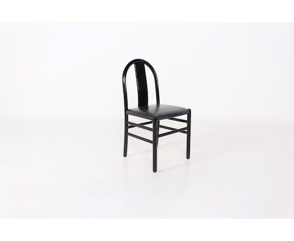 4 chaises laquées noires et cuir
