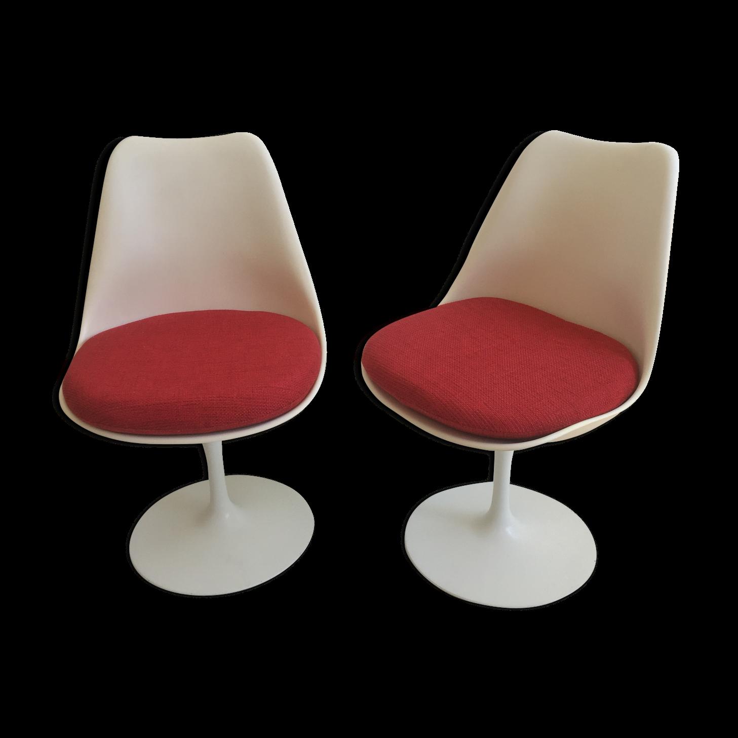 Pair Of Tulip Chairs By Eero Saarinen / Knoll