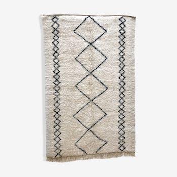 Carpet berber moroccan beni ouarain geometric black 2, 31 x 1, 52 m