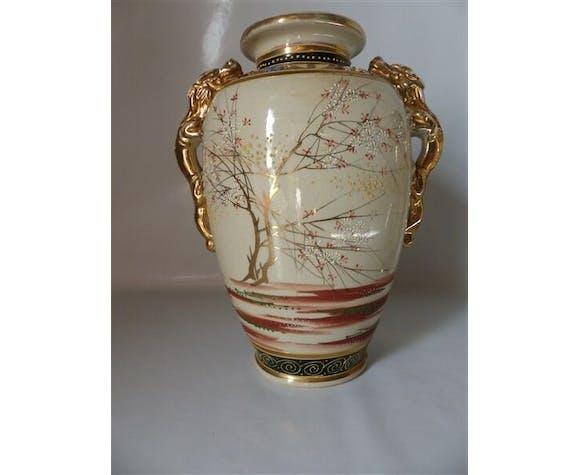Paire de vases en faïence de Satsuma Japon époque Meiji