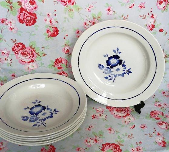 6 assiettes creuses anciennes saint amand fleurs bleues au pochoir