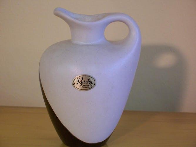 Carafe en céramique blanc et noir des années 50